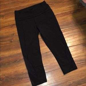 Lululemon Black Crop Netted Legging Size 6